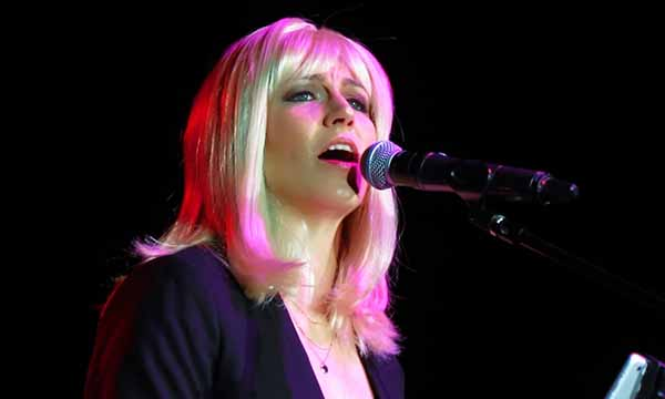 Sarah Stallman performing as Christine McVie